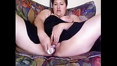 Hairy bbw  playing with new vibe