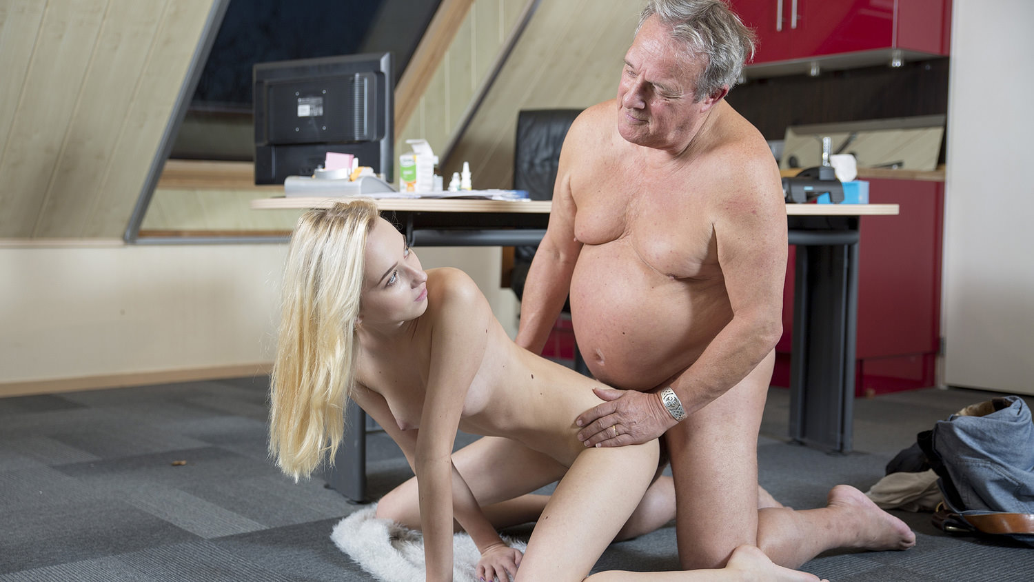 Young Old Porn Martha Gives Grandpa A Sloppy Blowjob-8418