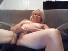 Looking for Milf nebenan Junge love fucking and sucking