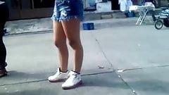 SEXY GIRL IN SHORT01