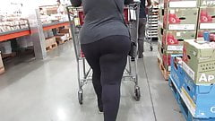 Asian BBW with fabulous thick legs and mega ass in leggings