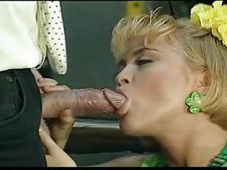 BLONDE CHICK FUCKED BY HUGE DICK