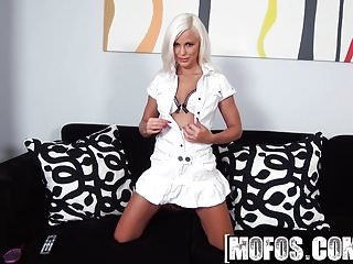 Mofos - Shes A Freak - Lola - Beauty in White