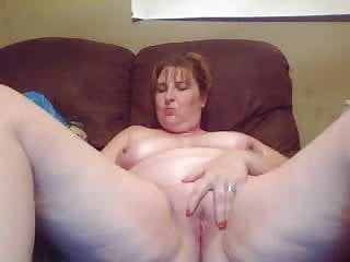 1ST TIME CAM FOR MATURE WHITE GAL