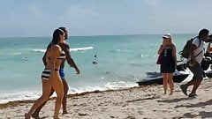 Kelly Brook - Miami Beach 2014