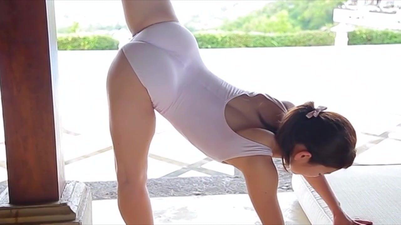 Flexible China Kamino Workout & Stretching