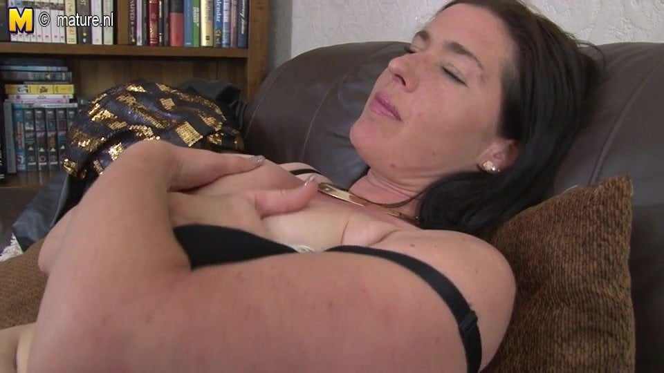 Uk Mature Mom With Saggy Tits And Hairy Cunt Free Porn B1-3116