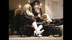 Roxina White Kneeboots Doll X