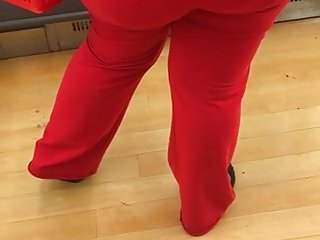 Fine ass big booty black milf in tight red pants 1
