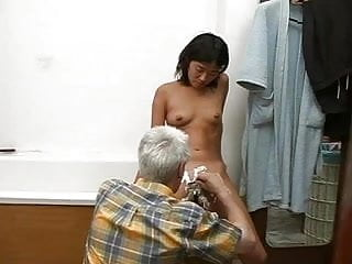 Download video bokep old guy young korean girl Mp4 terbaru