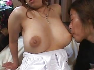 Busty Japanese porn star 2 of 9