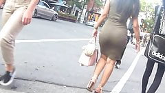 Candid - Latina Big Booty In Green Tight Dress