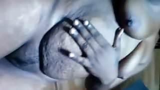 une idiote camerounaise sexhibe pour son gars