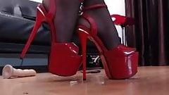 red heels for heel lovers......2