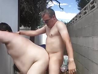 Eyaculando dentro del gordo