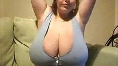 Come beat me with these huge titts!