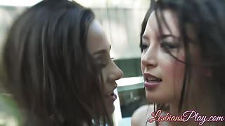 Pussy loving babes Abigail Mac and Daisy Haze going wild