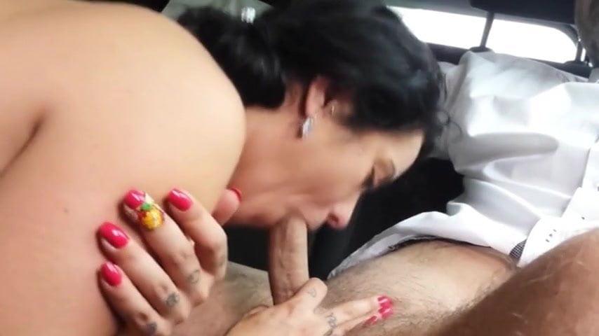 amazing car blowjob