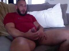 Hot str8 bear jerk off