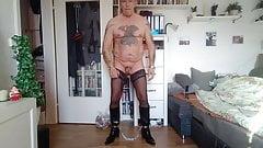 Teddy 50 - fast nackt am Tag zum Muelschlucker