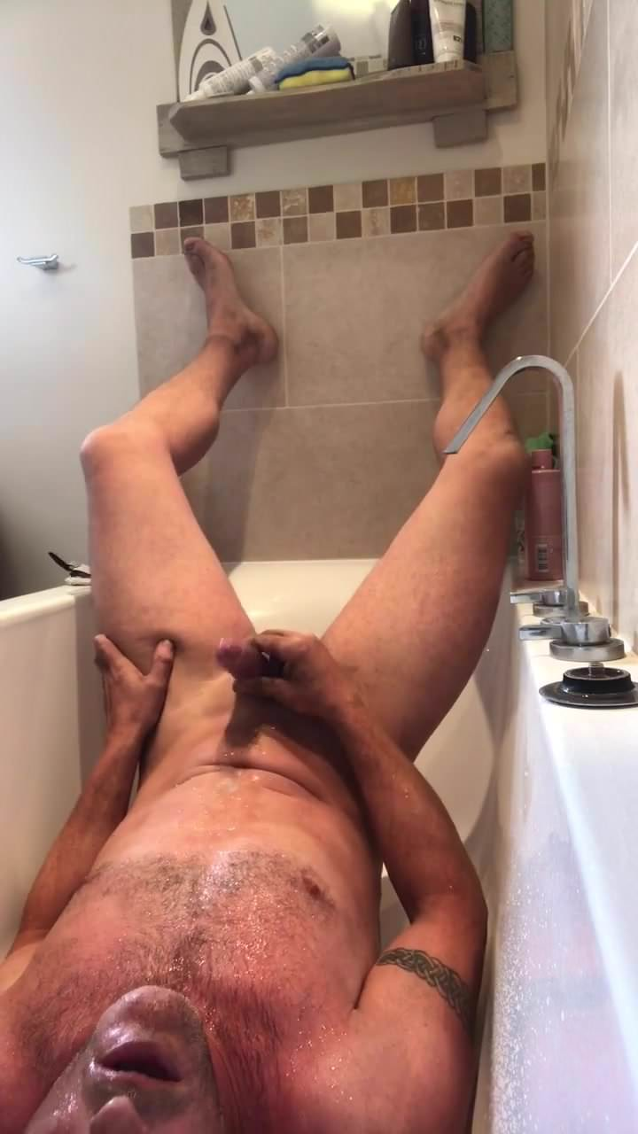piss bathpm gay