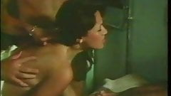 Gaelle, Malou... et Virginie 1977(Group sex scene)