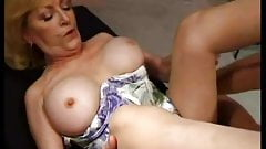 Lesbian threeway with babes licking pussy