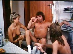 Heisse Schulmadchenluste - Anne Karne Orgy (1984)