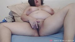 BBW fingering herself - French Amateur's Thumb