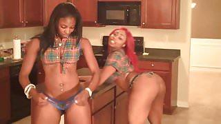 Booty Black Hot Girls Shaking Big Ass Pole Dance
