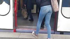 Cute teen jeans ass