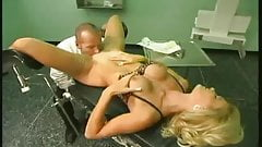 Maenner: so geht es beim Frauenarzt zu !