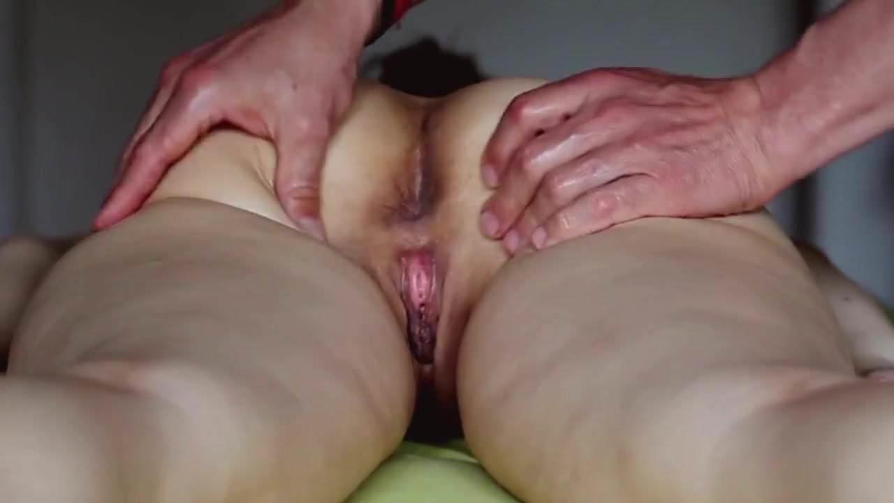 girls-reaching-climax-during-sex-tube