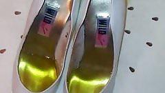 piss net friends heels