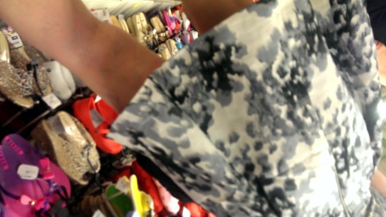 Turkish milf upskirt at shopping part2