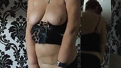 MATURE MANCHESTER WIFE UNDRESSING WITH STRIPTEASE