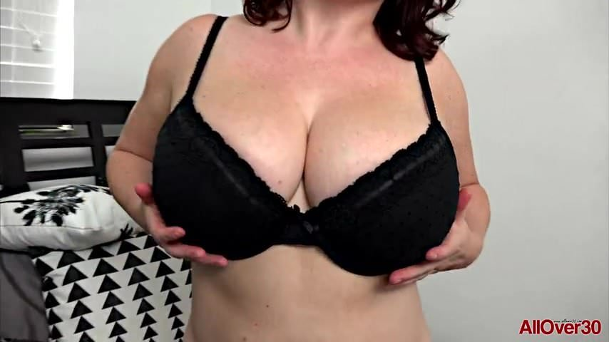 Online tits see big boobs watch ideal milfs see your horny milf neighbor maggie green