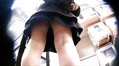 upskirt sous la jupe de femme mature