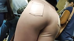 Hot milf strikes again in huge ass shiny pants candid
