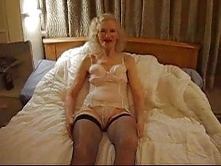 OLD BITCHjoseereal whore housewife70 yrs