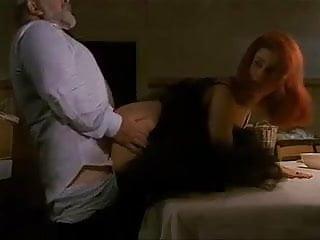6.Debora Caprioglio paprika levrette devant des spectateurs