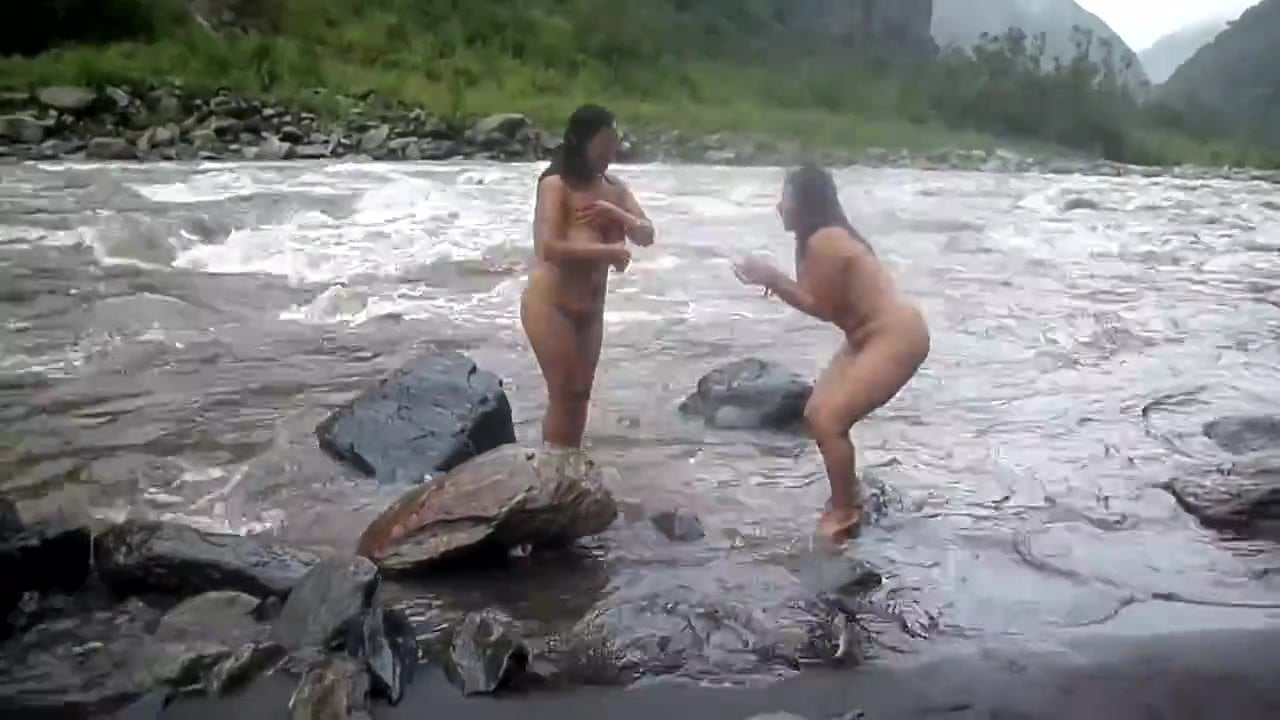 nude bathing girl video