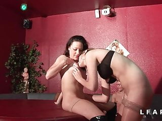 Download video bokep 2 cochonnes francaise grave defoncees dans un club libertin  Mp4 terbaru