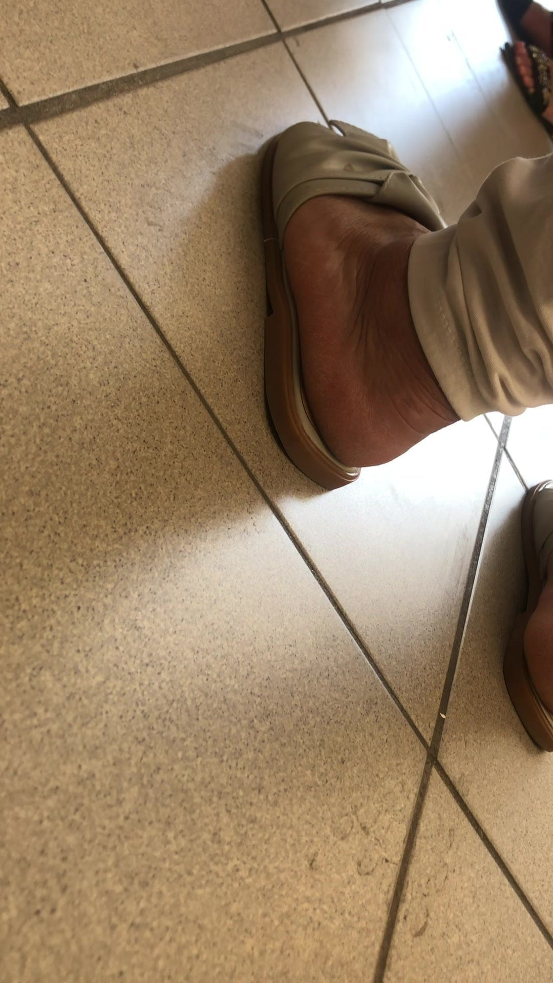 Candid arab mature feet heel