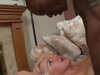 Black dude takes a blonde hotties ass