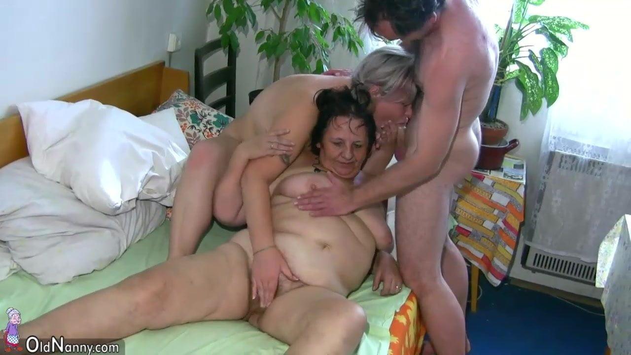 chubby threesome Gay
