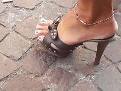 Sexy Feet & Heels Candid