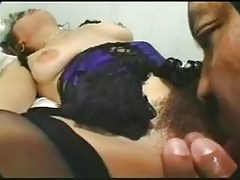 femme excitee chatte poilue horny hairy pussy