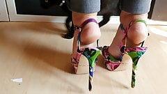 Mature feet in New flowers High heels