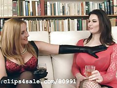 Jenny Badeau as Dr Darcy Taylor gets it on with Tasha Holz